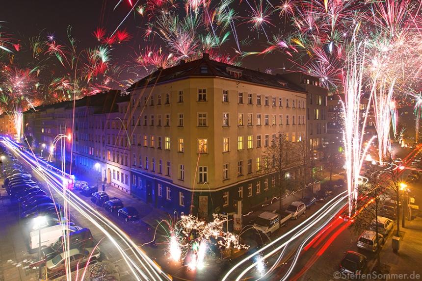 fireworks_berlin_new_years_eve_2013