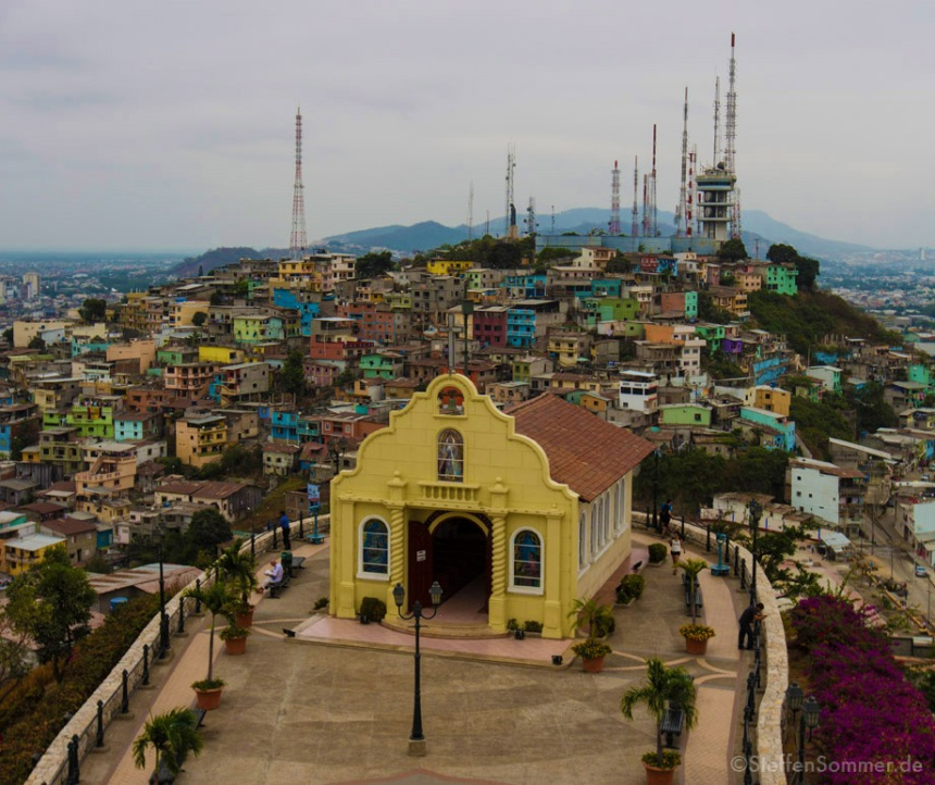 guayaquil_church_favela